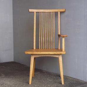 方肘回転椅子
