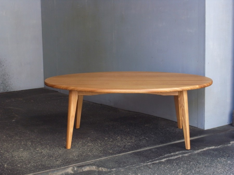 子供用楕円テーブル