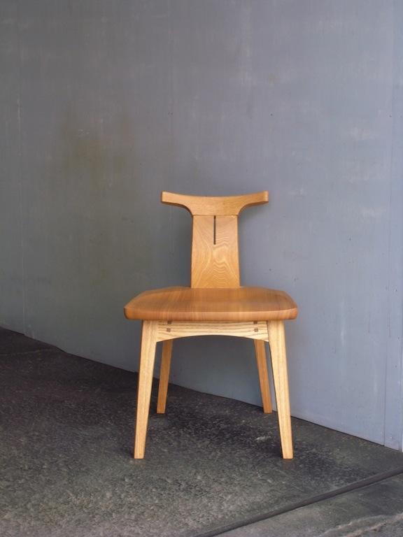 回転小椅子正面