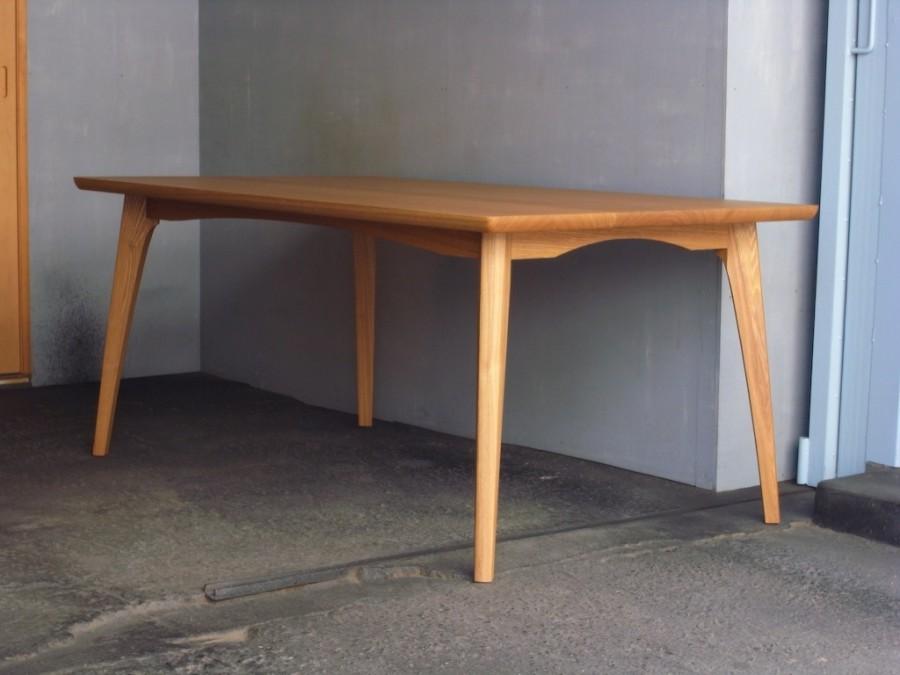 テーブル斜め面