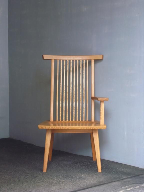 方肘回転椅子正面