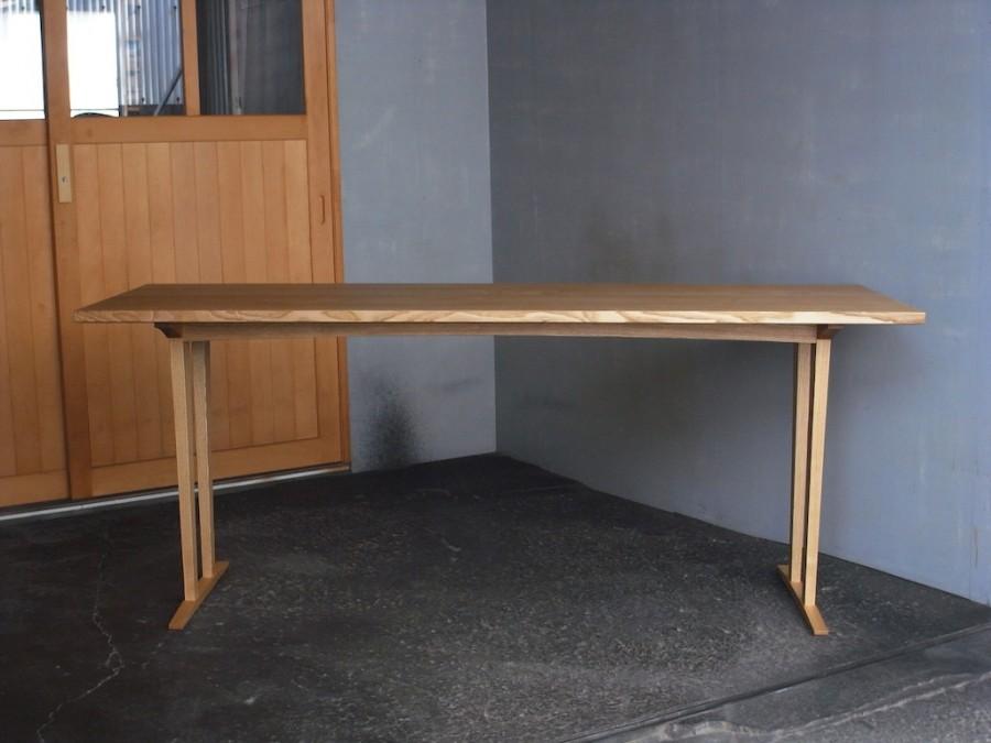 展示テーブル正面