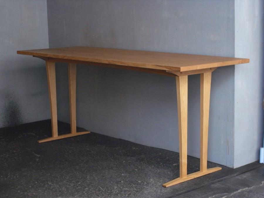 展示テーブル斜め面