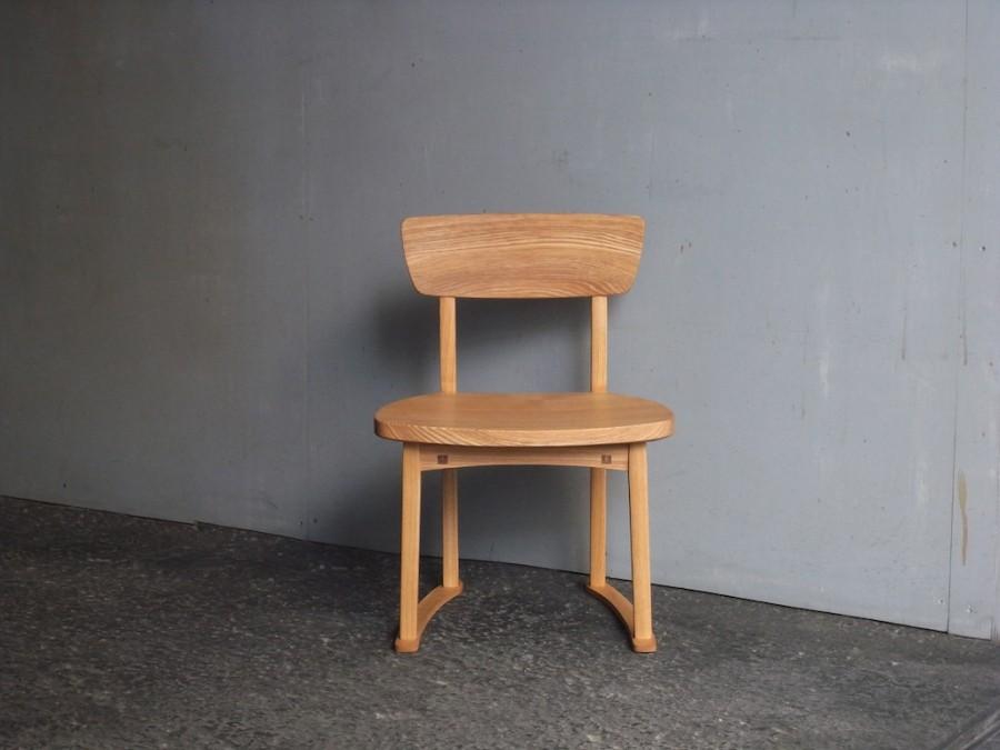 子供椅子 小 正面