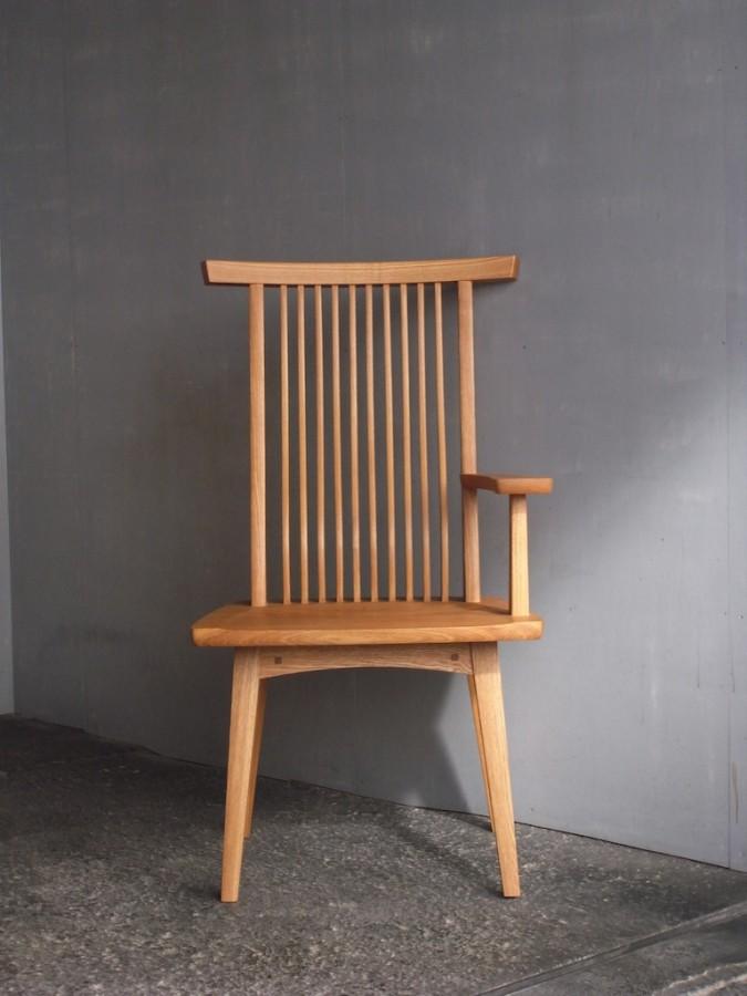 片肘回転椅子 正面