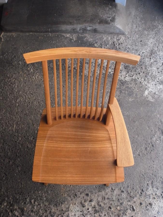 片肘回転椅子 上面