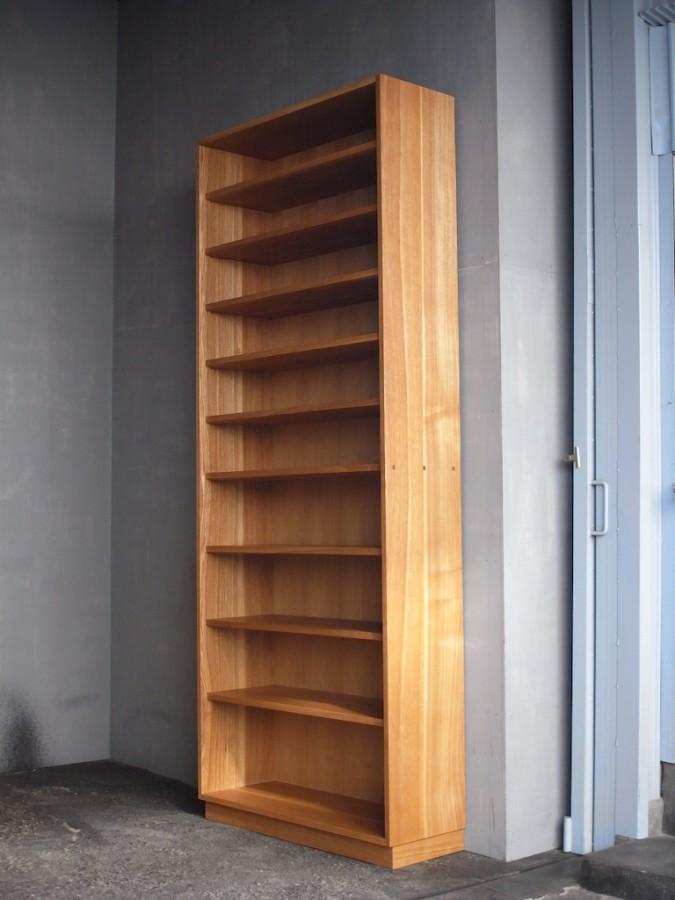 本棚 斜め面
