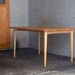 ダイニングテーブル 斜め面