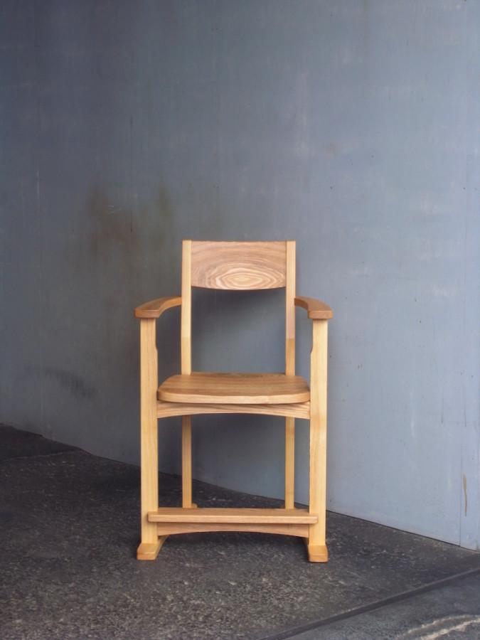 子供椅子 正面