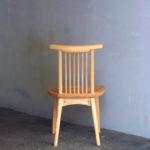 回転椅子 後面