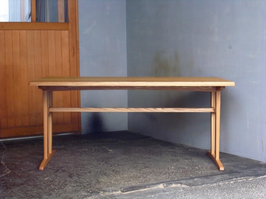 テーブル 正面